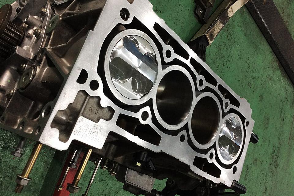 プジョー 206RCのエンジンオーバーホールのご依頼をいただきました。