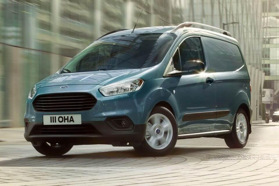新型フォード トランジット クーリエ