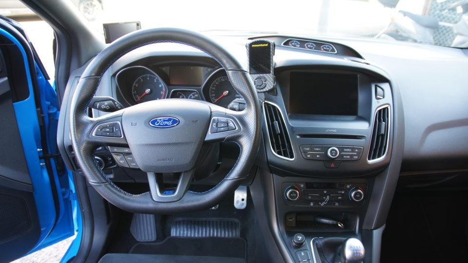 フォードフォーカスRSMk3インテリア