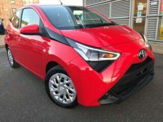 YMワークス東日本.横浜.サテライト店|特選輸入車Vol.98|2020 Toyota Aygo 1.0 VVT-i x-play x-shift (Safety Sense) uk(新車)乗り出し:¥2,769,135