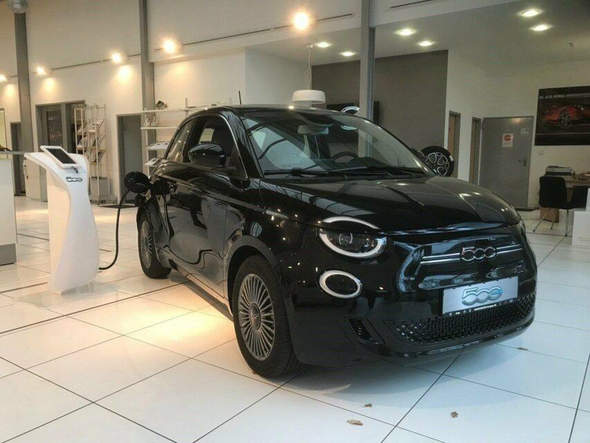 特選輸入車Vol.222 | 2021 Fiat 500e 87kW de(新古車)| 支払総額:¥4,946,971