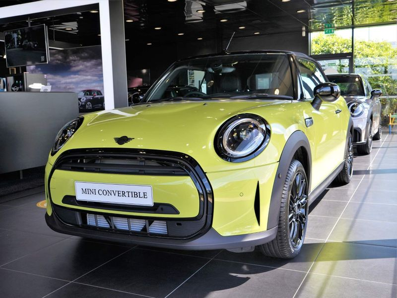 特選輸入車Vol.262 | 2021 MINI Convertible 1.5 Cooper Exclusive uk(新車)| 支払総額:¥6,269,914