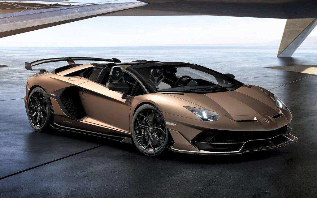 スーパーカー特集|ランボルギーニ アヴェンタドール(Lamborghini Aventador)