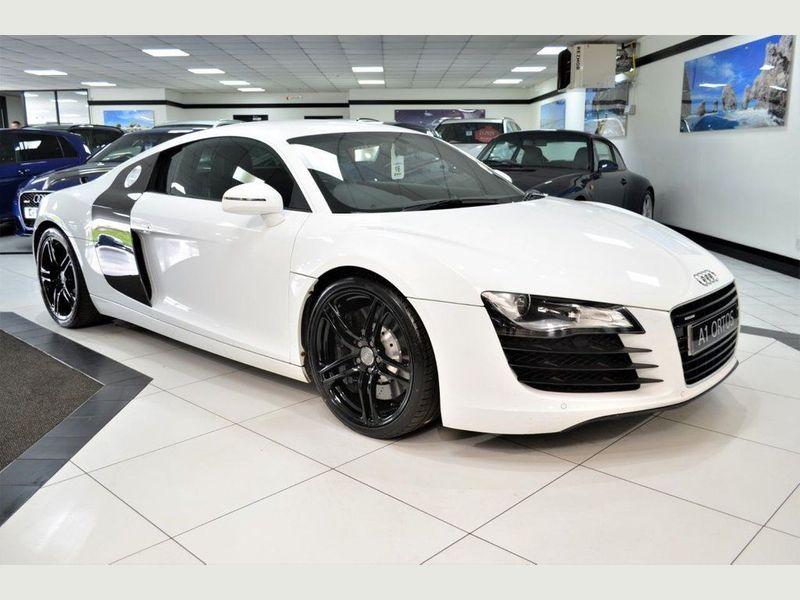 特選輸入車Vol.340|Audi R8(アウディ R8)4.2 QUATTRO 2d(中古車)| 支払総額9,983,645円