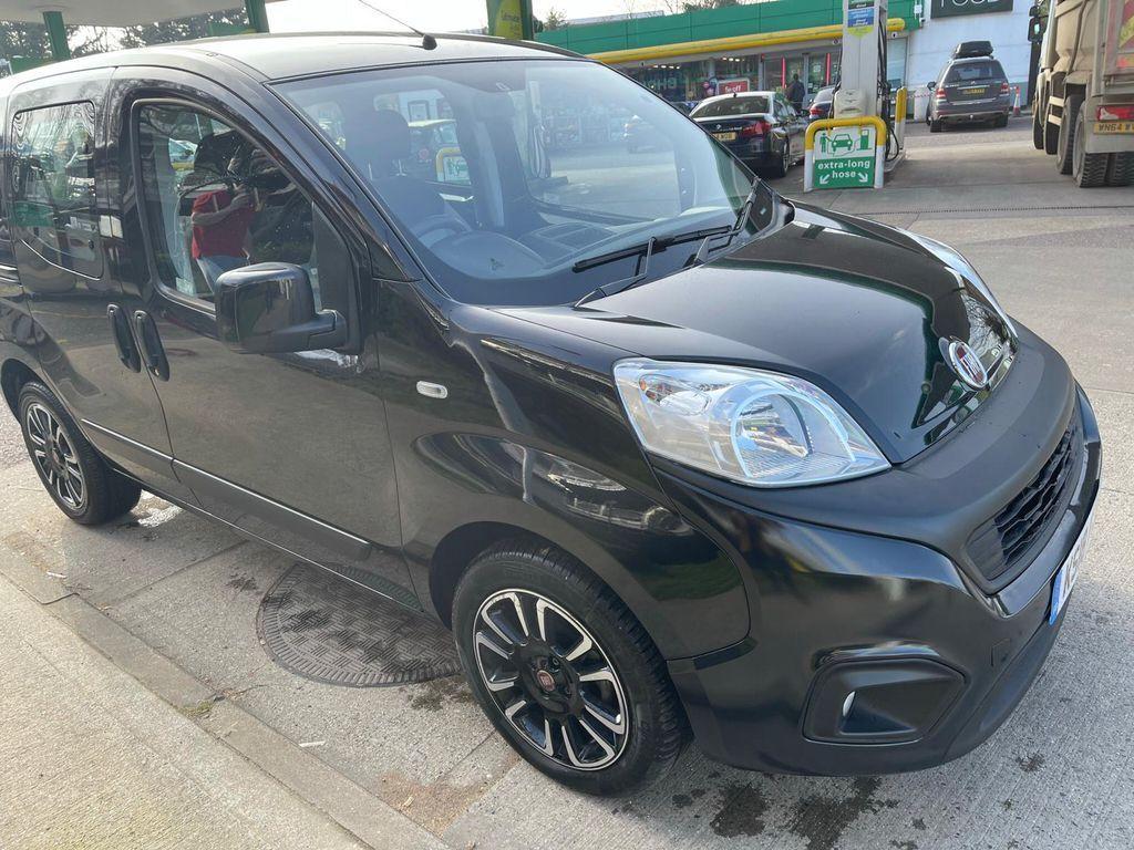 特選輸入車Vol.299  2018 Fiat Qubo1.3MultiJet Lounge Dualogic (s/s) 5dr(中古車)   支払総額3,726,720円