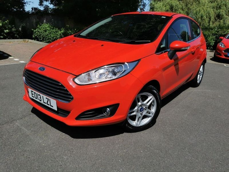 特選輸入車Vol.314|Ford Fiesta(フォード フィエスタ)1.0 EcoBoost Zetec (s/s) 3dr(中古車)| 支払総額2,591,714円